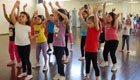 Zumba fr Kinder: Zu besserer Fitness mit Tanz und Aerobic