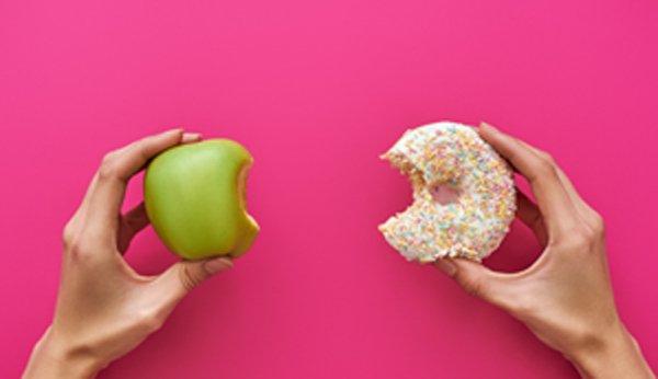 Gesunde Ernährung mit Obst hilft beim Abnehmen.