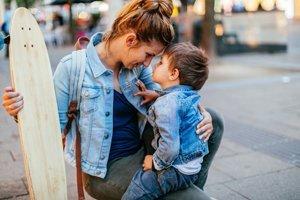 Kindesunterhalt: Wie Alleinerziehende mit Kind über die Runden kommen
