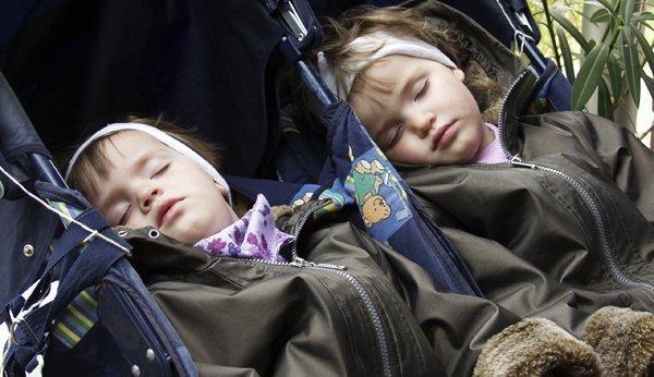 mittagsschlaf wichtiges alltagsritual f r babys und kleinkinder. Black Bedroom Furniture Sets. Home Design Ideas
