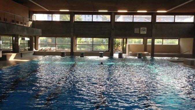 Hallenbad Wädenswil: Schwimmkurse für jedes Alter und Niveau