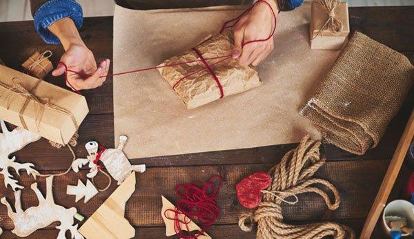 Präsente Ohne Geschenkpapier Weihnachtlich Verpacken