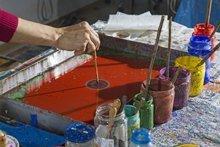 Farbenfrohes Handwerk – Papier marmorieren