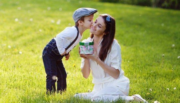 Muttertagsgedichte Die Schönsten Verse Und Reime