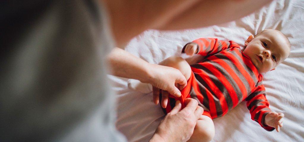 Babykleider Ihr Baby Anziehen Ohne Geschrei