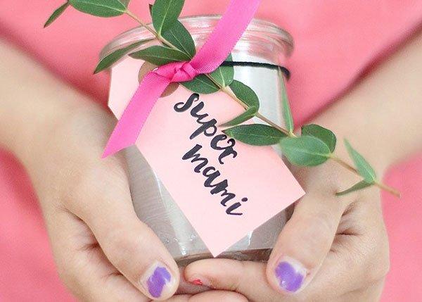 Ein Duftkerze Ist Wunderschönes Muttertagsgeschenk