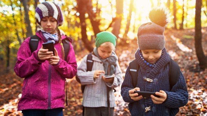 Mit dem Smartphone auf Tour: Die besten Apps für Ihre nächste Wanderung