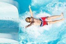 Family-Challenge: 2. Sausen Sie die längste Wasserrutsche hinab