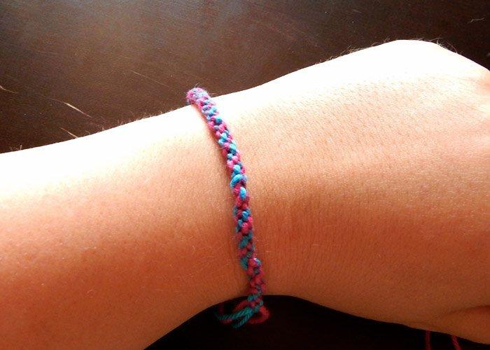 Armbander Knupfen Mit Buntem Garn