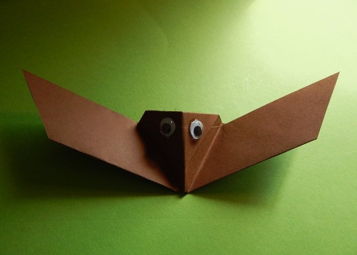 tiere basteln aus papier fledermaus basteln. Black Bedroom Furniture Sets. Home Design Ideas