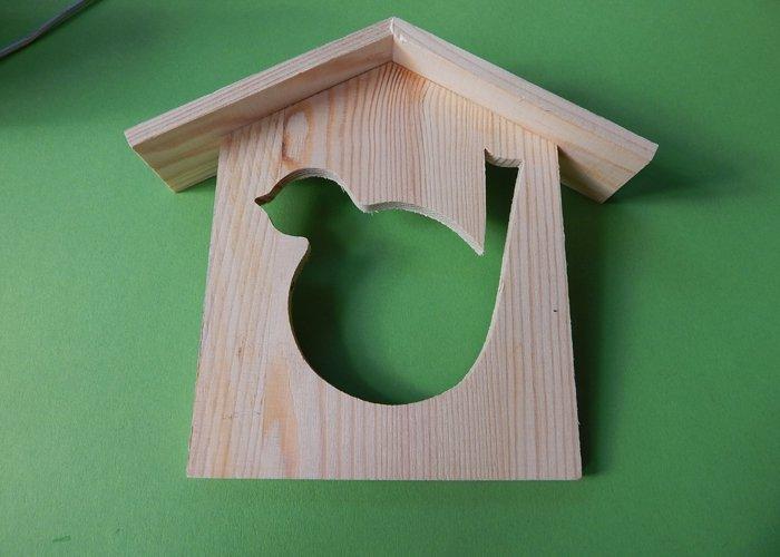bild 2 basteln mit holz vogelhaus aus holz s gen. Black Bedroom Furniture Sets. Home Design Ideas