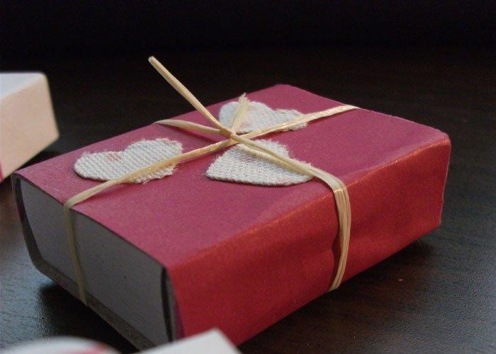 bild 11 valentinstag geschenke selber machen streichholzschachtel als verpackung. Black Bedroom Furniture Sets. Home Design Ideas