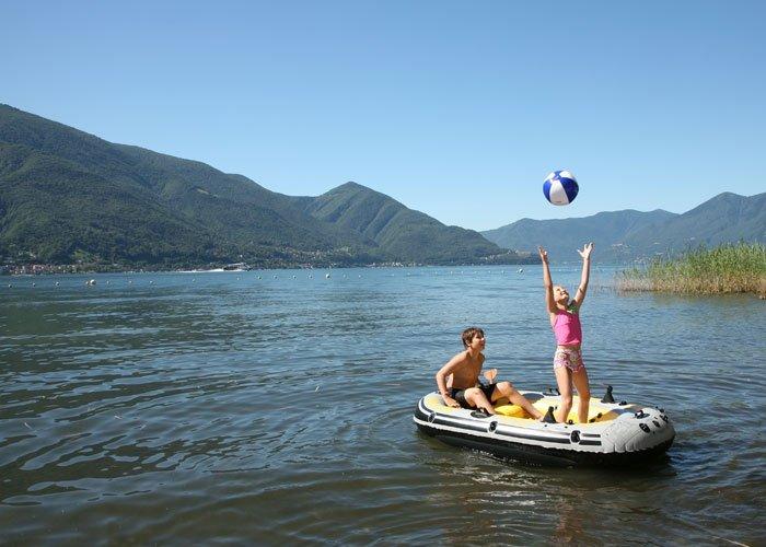 Bild 6 familienferien im tessin boot fahren im lago maggiore - Bagno pubblico ascona ...