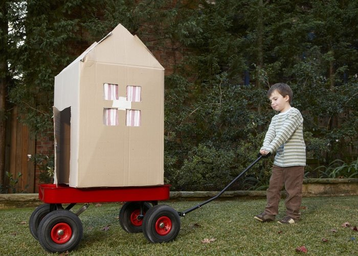 basteln mit karton das kartonhaus. Black Bedroom Furniture Sets. Home Design Ideas