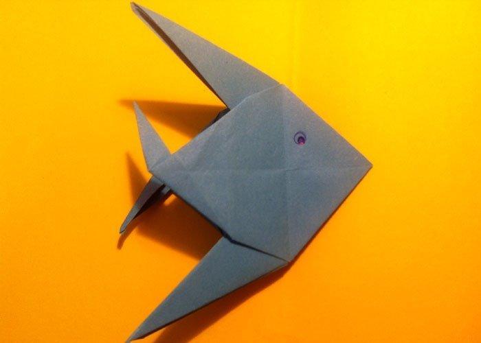 Origami anleitung fisch aus papier basteln - Fische basteln aus papier ...