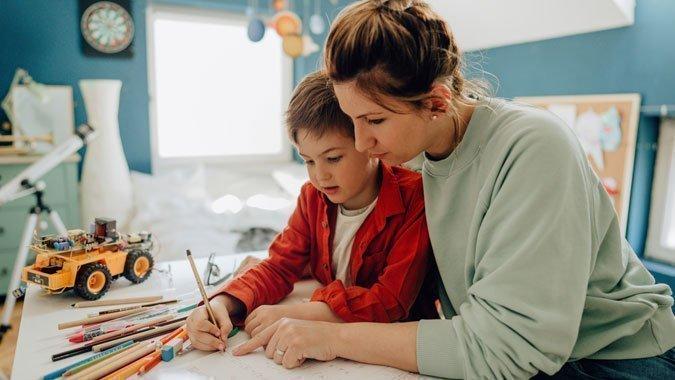 Erfolgreiche Prüfungsvorbereitung: So unterstützen Sie Ihr Kind