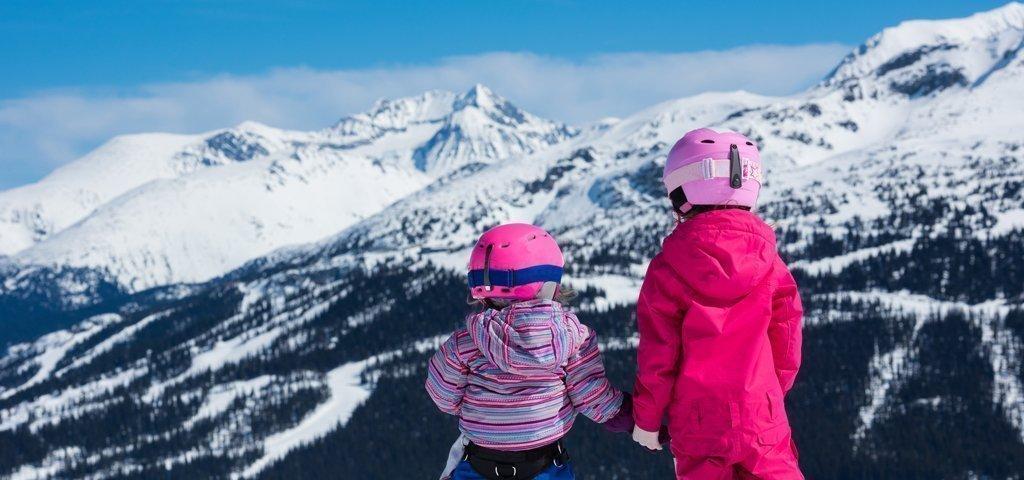 Skiferien mit Kindern: Diese 8 Schweizer Skigebiete sind besonders familienfreundlich