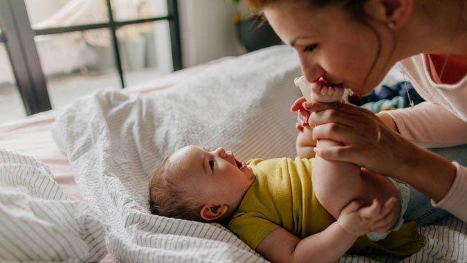 So fördern spassige Spiele schon bei Babys das Lernen