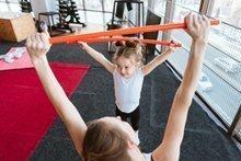 Wie Sie mit Kindern spielerisch mehr Sport in den Alltag integrieren